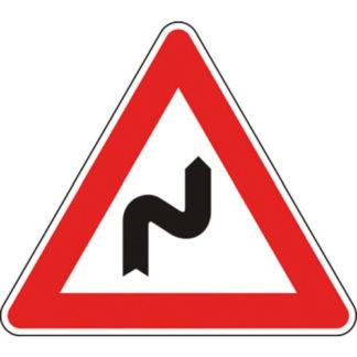 cartello doppia curva la prima a destra